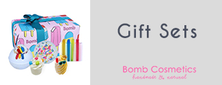 https://images.candlewarehouse.ie/images/products/GiftSets_BombCosmetics_MainMenu_11052021.jpg