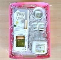 Fluffy Towels Deluxe Hamper